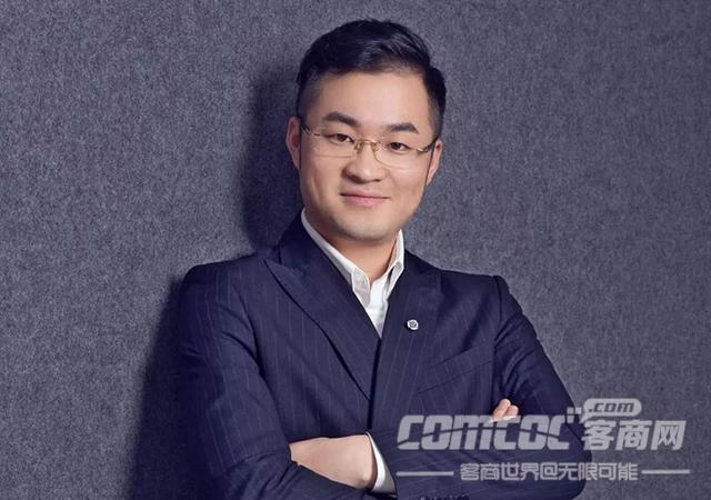 河南省青年客商�f��理事郝�v�w――厚�e薄�l,��新�d�I