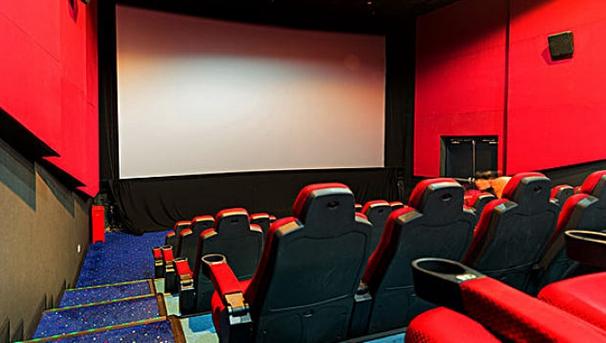 全国电影总票房超400亿元 国产片33部票房过亿