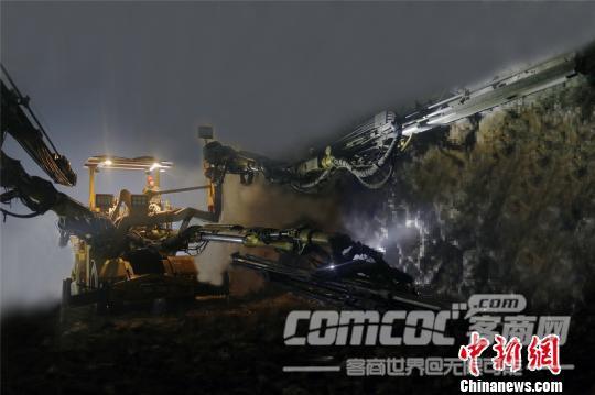"""火箭�""""全能�@王""""的掘�M人生"""