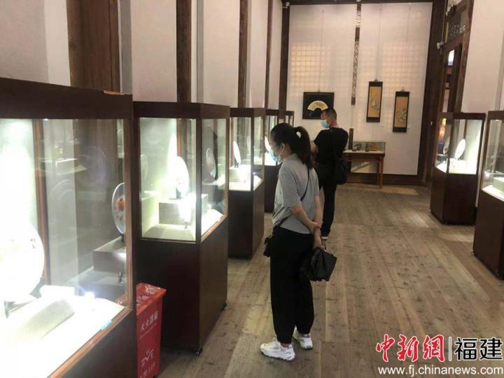 福建平潭民间艺术品展在福州开展