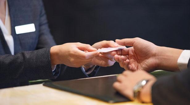 办房卡连身份证都不用出示 如何堵上酒店管理漏洞?